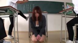 全裸NTR授業 被不良學生掌握弱點進行羞恥快樂的女教師